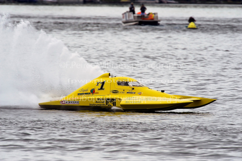 13-14 June, 2009, APBA Inboards, Walled Lake, Novi, MI. USA.Dan Kanfoush, Y-1, 1.5 Litre Mod hydroplane.©F. Peirce Williams 2009 USA.F.Peirce Williams.photography.ref: RAW (.NEF) File Available