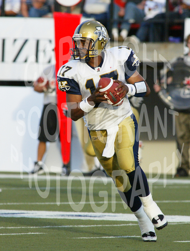 Khari Jones Winnipeg Blue Bombers 2004. Photo F. Scott Grant