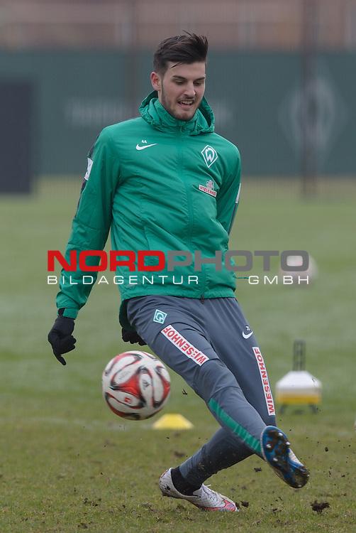 18.02.2015, Trainingsgelaende, Bremen, GER, 1.FBL, Training Werder Bremen, im Bild Florian Grillitsch (Bremen #36)<br /> <br /> Foto &copy; nordphoto / Frisch