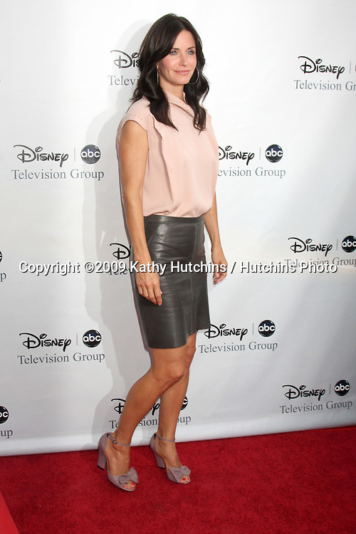 Courteney Cox arriving at the ABC TV TCA Party at The Langham Huntington Hotel & Spa in Pasadena, CA  on August 8, 2009 .©2009 Kathy Hutchins / Hutchins Photo..