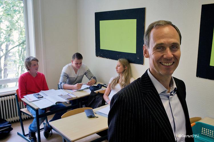 Nederland, Hilversum, 03-10-2011 Marc Peters heeft drie Winford-scholen gekocht (privé-onderwijsinstellingen voor middelbaar onderwijs) FOTO: Gerard Til