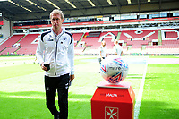 Swansea City manager Graham Potter walks the pitch before the Sky Bet Championship match between Sheffield United and Swansea City at Bramall Lane, Sheffield, England, UK. Saturday 04 August 2018
