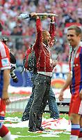 10.05.2014, Allianz Arena, Muenchen, GER, 1. FBL, FC Bayern Muenchen vs VfB Stuttgart, 34. Runde, im Bild Ein klatschnasser Trainer Pep Guardiola (FC Bayern Muenchen) nach der Bierdusche. // during the German Bundesliga 34th round match between FC Bayern Munich and VfB Stuttgart at the Allianz Arena in Muenchen, Germany on 2014/05/10. EXPA Pictures © 2014, PhotoCredit: EXPA/ Eibner-Pressefoto/ Stuetzle<br /> <br /> *****ATTENTION - OUT of GER***** <br /> Football Calcio 2013/2014<br /> Bundesliga 2013/2014 Bayern Campione Festeggiamenti <br /> Foto Expa / Insidefoto