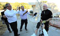 Pictured: Detective Inspector of South Yorkshire Police (R) briefs the media in Kos, Greece. Thursday 06 October 2016<br />