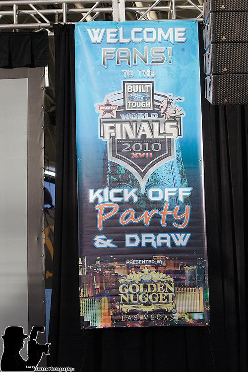 Fremont Street Experience, Las Vegas , Fan fair first round draft PBR