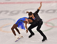 France's Vanessa James and Morgan Cipres give a figure skating pair performance in the Gangneung Ice Arena at the Winter Olympics in Pyeongchang, South Korea, 9 February 2018. Photo: Peter Kneffel/dpa /MediaPunch ***FOR USA ONLY***
