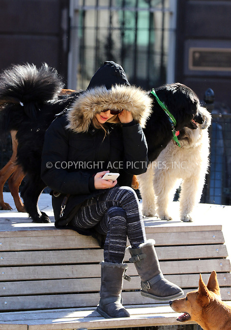 WWW.ACEPIXS.COM<br />