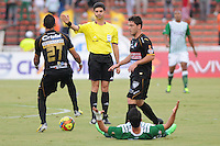 MEDELLÍN -COLOMBIA-13-05-2013. El arbitro José Buitrago gesticula durante el encuentro entre Atlético Nacional y Once Caldas en la fecha 15 Liga Postobón 2013-1 realizado en el estadio Atanasio Girardot de Medellín./ Jose Buitrago referee gestures during match between Nacional and Once Caldas during 15th date of Postobon  League 2013-1 at Atanasio Girardot stadium in Medellin.  Photo: VizzorImage/Luis Ríos/STR