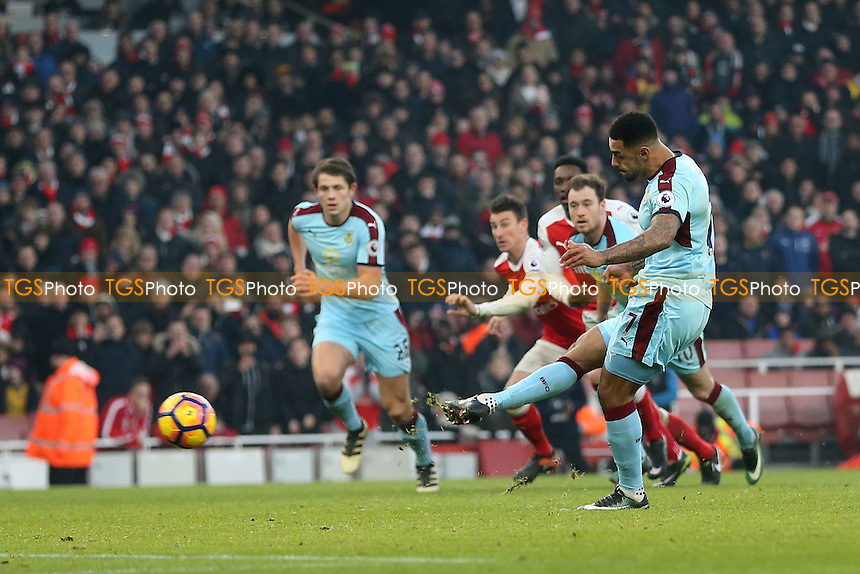 Andre Gray of Burnley scores the opening Burnley goal during Arsenal vs Burnley, Premier League Football at the Emirates Stadium on 22nd January 2017