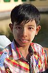 Boy, Maha Vijaya Pagoda