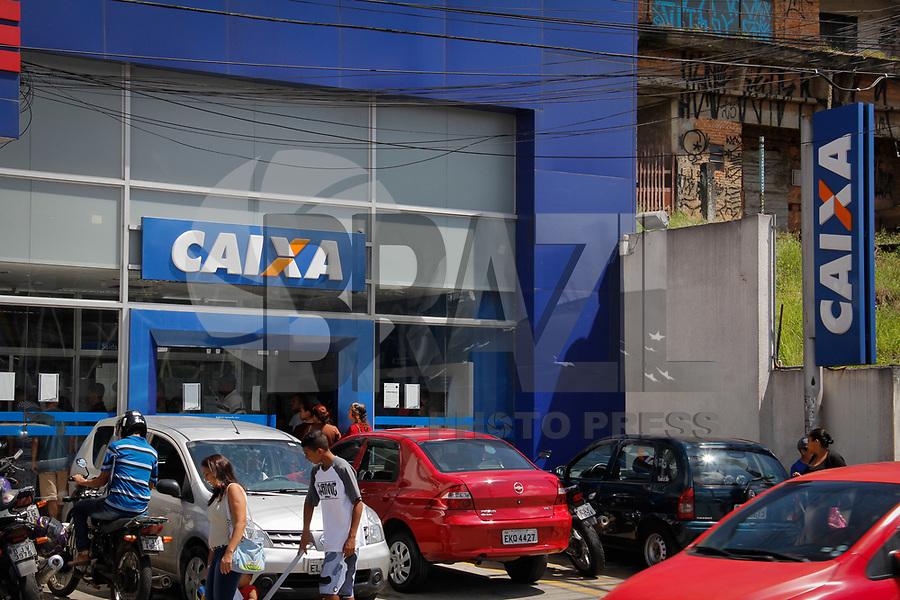 GUARULHOS, SP, 09.03.2017 - FUNDO-GARANTIA - Agencia da Caixa Economica é vista na cidade Guarulhos na grande São Paulo, nesta quinta-feira. Os trabalhadores poderão fazer o saque das contas inativas do Fundo de Garantia do Tempo de Serviço (FGTS) a partir desta sexta-feira (10). Entretanto, milhões de trabalhadores não poderão sacar os valores, porque os patrões não fizeram o recolhimento para o fundo. Segundo a Procuradoria-Geral da Fazenda Nacional (PGFN), existem 7 milhões de trabalhadores cujos empregadores não depositaram o dinheiro, que correspondem a um débito total de R$ 24,5 bilhões inscritos na dívida ativa da União. (Foto: Nelson Gariba/Brazil Photo Press)