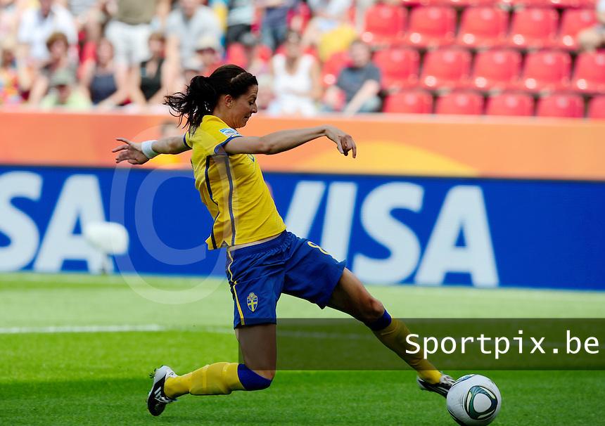 Fifa Women's World Cup Germany 2011 : Colombia - Sweden at Bayarena Leverkusen : Lotta Schelin gaat alleen op doel af..foto DAVID CATRY / Vrouwenteam.be