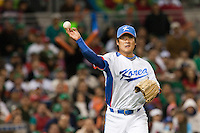15 March 2009: #19 Hyun Wook Jong of Korea throws the ball to first base during the 2009 World Baseball Classic Pool 1 game 2 at Petco Park in San Diego, California, USA. Korea wins 8-2 over Mexico.
