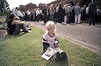 Morgan at Paul Foot's Memorial Service Golders Green Crematorium London 27th Aug 2004 (Film)