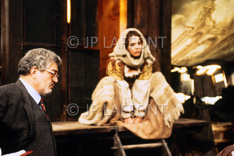 "April 27, 1990, Cinecitta, Rome, Italy. On the set of ""Il Viaggio DiCapitan Fracassa"", (The Voyage of Captain Fracassa), Film Director Ettore Scola, works with his cast and crew. Among them are actors Ornella Muti and Vincent Perez."