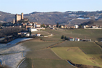 - Castiglione Faletto middle ages village in Langhe hills ....- il paese medioevale di Castiglione Faletto nelle colline delle langhe