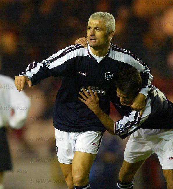 Fabrizio Ravanelli, Dundee.Stock season 2003-2004.pic willie vass