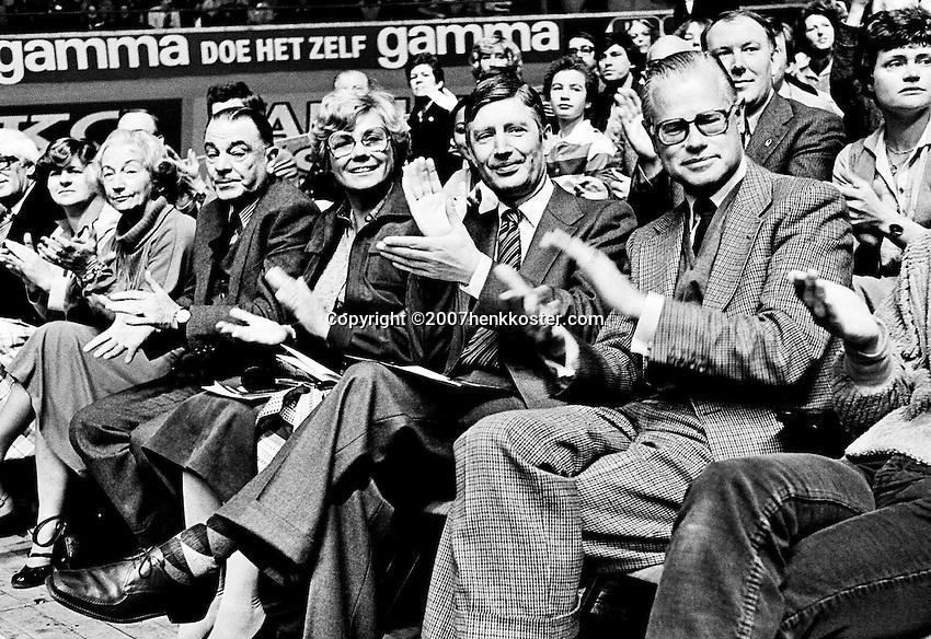 1979, ABN Tennis Toernooi, VIP Tribune met van Agt