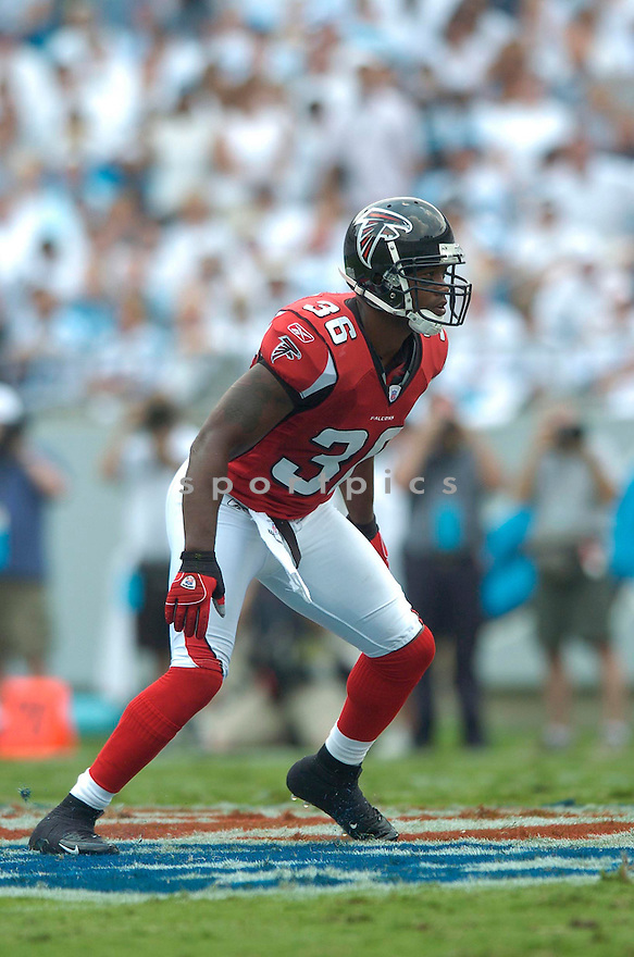 LAWYER MILLOY, of the Atlanta Falcons in action againt the Carolina Panthers on September 10, 2006 in Charlotte, NC...Falcons win 20-6..David Durochik / SportPics