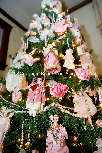 NAUGATUCK, CT- 07 DEC 06- 120706JT07- <br /> Joanne Dowling decorates the inside of her Naugatuck Victorian home with Victorian-style Christmas trees, such as this one decorated with dolls, and ornaments for the holiday. <br /> Josalee Thrift Republican-American