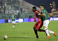 TUNJA -COLOMBIA, 12-03-2016. Danny Rosero (Izq) jugador de Patriotas FC disputa el balón con Rafael Santos Borre (Der) jugador de Deportivo Cali durante partido por la fecha 9 de la Liga Águila I 2016 realizado en el estadio La Independencia en Tunja./ Danny Rosero (L) player of Patriotas FC fights for the ball with Rafael Santos Borre (R) player of Deportivo Cali during match for the date 9 of Aguila League I 2016 at La Independencia stadium in Tunja. Photo: VizzorImage/
