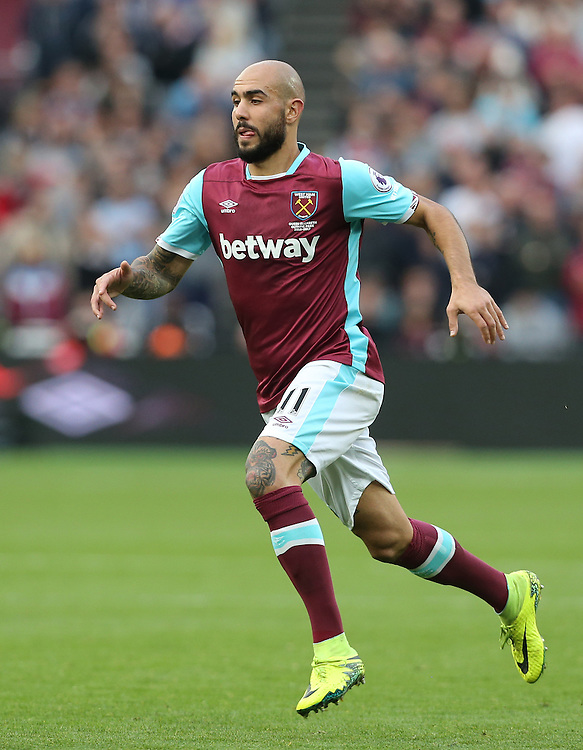 West Ham United's Simone Zaza<br /> <br /> Photographer Rob Newell/CameraSport<br /> <br /> The Premier League - West Ham United v Sunderland - Saturday 22nd October 2016 - London Stadium - London<br /> <br /> World Copyright &copy; 2016 CameraSport. All rights reserved. 43 Linden Ave. Countesthorpe. Leicester. England. LE8 5PG - Tel: +44 (0) 116 277 4147 - admin@camerasport.com - www.camerasport.com