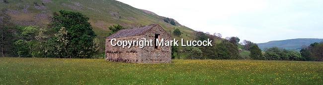 Stone barn near Muker, Swaledale, Yorkshire
