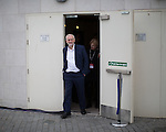 © Joel Goodman - 07973 332324 . 25/09/2016 . Liverpool , UK . JEREMY CORBYN leaves the Museum of Liverpool after The Marr Show , during a round of Sunday morning political interviews from the Docks in Liverpool on the first day of the Labour Party Conference . Photo credit : Joel Goodman