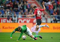 FUSSBALL   1. BUNDESLIGA   SAISON 2012/2013   3. SPIELTAG Hannover 96 - SV Werder Bremen     15.09.2012 Aaron Hunt (li, SV Werder Bremen) gegen Szabolcs Huszti (re, Hannover 96)