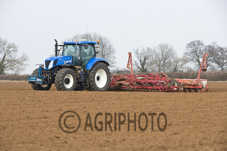 Drilling Cayman sugar beet in Lincolnshire.Picture by Tim Scrivener date taken 3rd March 2012.mobile 07850 303986 e-mail tim@agriphoto.com.....covering agriculture in The United Kingdom....