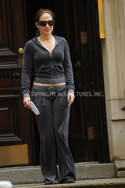 WWW.ACEPIXS.COM . . . . . ....July 20 2009, New York City....Actress Jennifer Lopez on the West Village set pf the new movie 'The Back-Up Plan' on July 20 2009 in New York City......Please byline: KRISTIN CALLAHAN - ACEPIXS.COM.. . . . . . ..Ace Pictures, Inc:  ..tel: (212) 243 8787 or (646) 769 0430..e-mail: info@acepixs.com..web: http://www.acepixs.com