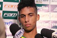 SÃO PAULO,SP, 21.06.2016 - FUTEBOL-PALMEIRAS - O atacante Vitinho durante entrevista coletiva na Academia de Futebol, na Barra Funda zona oeste da capital, na tarde desta quarta-feira (22). ( Foto : Marcio Ribeiro / Brazil Photo Press)