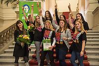 """Hatun Sueruecue-Preis 2017.<br /> Die Fraktion von Buendnis 90/Gruene im Berliner Abgeordnetenhaus verlieh am Freitag den 3. Februar 2017 zum 5. Mal den Hatun Sueruecue-Preis. Der mit insgesamt 1.000 Euro dotierte Frauenrechtspreis zeichnet Menschen aus, die sich tatkraeftig fuer Maedchen und junge Frauen einsetzen.<br /> Der erste Preis mit 500 Euro ging an die Reinickendorfer Kinder- und Jugendfreizeitstaette """"Centre Talma"""". Sie bietet seit 1994 in mehr als 40 Sport- und Tanzkursen aktive Kinder- und Jugendsozialarbeit an. Mit dem zweiten Preis und 300 Euro wurden die Boxgirls Berlin e.V. geehrt, die nach Meinung der Jury mit ihrer Sport- und Bildungsarbeit dazu beitragen, die Rollenbilder von Maennern und Frauen aufzuloesen. Der dritte Preis mit 200 Euro ging an die Initiative """"Bikeygees"""", deren Gruenderinnen seit 2015 gefluechteten Frauen das Fahrradfahren beibringen.<br /> Die 23jaehrige deutsch-Kurdin Hatun Sueruecue wurde am 7. Februar 2005 von ihren Bruedern in Berlin ermordet, da sie ein selbstbestimmtes Leben fuehren wollte und aus einer Zwangsheirat gefluechtet war. Der Ehrenmord hatte bundesweit fuer Entsetzen gesorgt.<br /> Im Bild: Die Mitglieder des Centre Talma.<br /> 3.2.2017, Berlin<br /> Copyright: Christian-Ditsch.de<br /> [Inhaltsveraendernde Manipulation des Fotos nur nach ausdruecklicher Genehmigung des Fotografen. Vereinbarungen ueber Abtretung von Persoenlichkeitsrechten/Model Release der abgebildeten Person/Personen liegen nicht vor. NO MODEL RELEASE! Nur fuer Redaktionelle Zwecke. Don't publish without copyright Christian-Ditsch.de, Veroeffentlichung nur mit Fotografennennung, sowie gegen Honorar, MwSt. und Beleg. Konto: I N G - D i B a, IBAN DE58500105175400192269, BIC INGDDEFFXXX, Kontakt: post@christian-ditsch.de<br /> Bei der Bearbeitung der Dateiinformationen darf die Urheberkennzeichnung in den EXIF- und  IPTC-Daten nicht entfernt werden, diese sind in digitalen Medien nach §95c UrhG rechtlich geschuetzt. Der Urhebervermerk wird gema"""