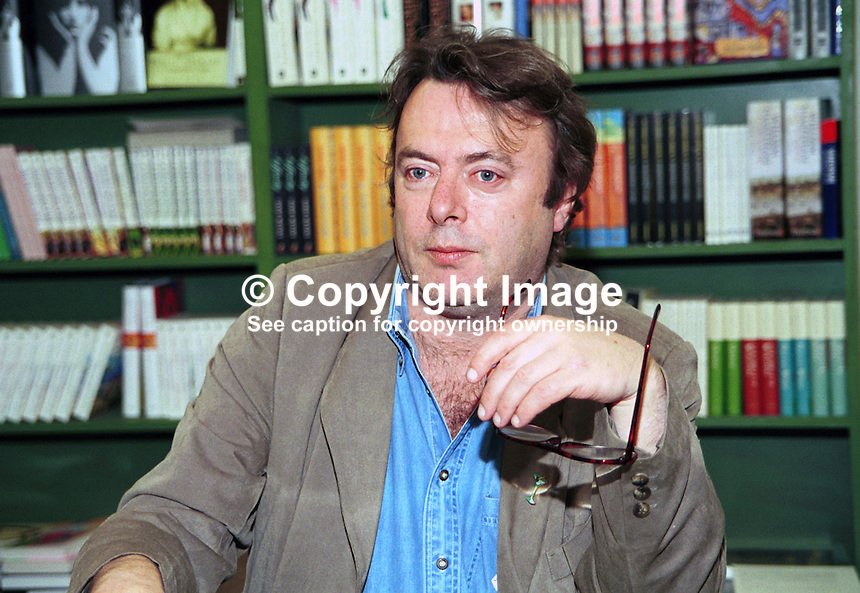 Christopher Hitchens, author, journalist, literary critic, political observer, lives Washington DC, USA. Taken at Hay Book Festival. Ref: 200005045.<br />
