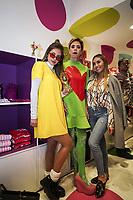 BOGOTA - COLOMBIA, 23-11-2018: Agatha Ruiz de la Prada, diseñadora española, en compañia de invitados durante su visita a la tienda que lleva su marca en el centro comercial Unicentro del la ciudad de Bogotá. / Agatha Ruiz de la Prada, Spanish designer, in the company of guests during her visit to the store that carries her name at Unicentro shopping center in Bogota, Colombia. Photo: VizzorImage / Diego Cuevas / Con