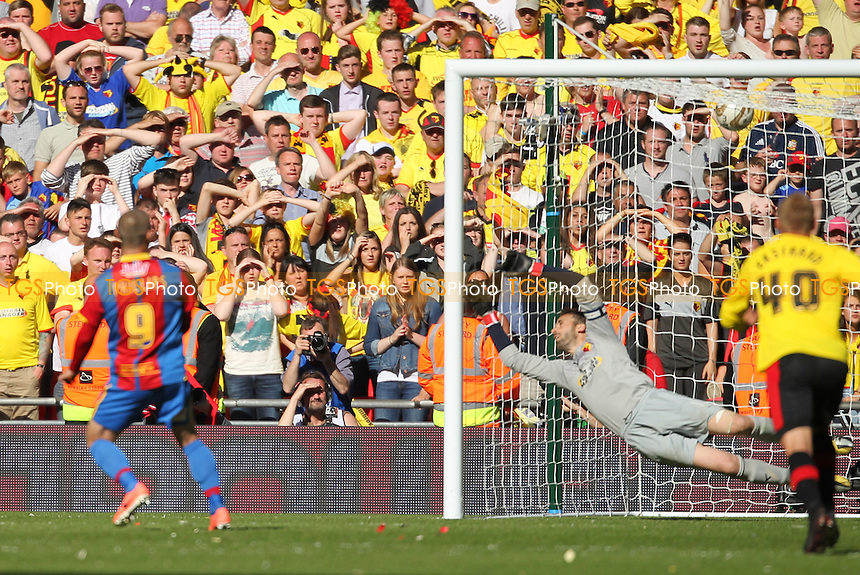 Kevin Phillips of Crystal Palace scores the winner from the spot - Crystal Palace vs Watford - NPower Championship Play-Off Final at Wembley Stadium, London - 27/05/13 - MANDATORY CREDIT: Simon Roe/TGSPHOTO - Self billing applies where appropriate - 0845 094 6026 - contact@tgsphoto.co.uk - NO UNPAID USE