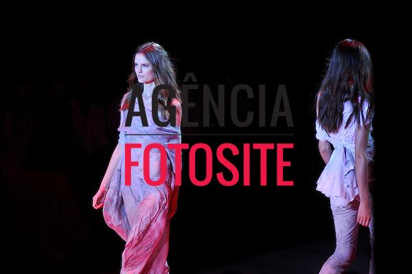 Rio de Janeiro, Brasil – 14/01/2011 - Desfile da Espaco Fashion durante o Fashion Rio  -  Inverno 2011. Foto : Cris von Ameln / Agência Fotosite