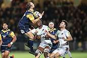 29th September 2017, Sixways Stadium, Worcester, England; Aviva Premiership Rugby, Worcester Warriors versus Saracens; Chris Pennell of Worcester Warriors catches the ball just before he is tackled by Maro Itoje of Saracens