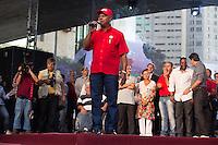 SAO PAULO, SP, 01 DE MAIO DE 2013 - FESTA CUT NO ANHANGABAÚ - Um membro da CUT, durante Festa do Dia do Trabalho na praça do Anhangabaú em São Paulo, nesta quarta-feira, 01. FOTO: MARCELO BRAMMER / BRAZIL PHOTO PRESS