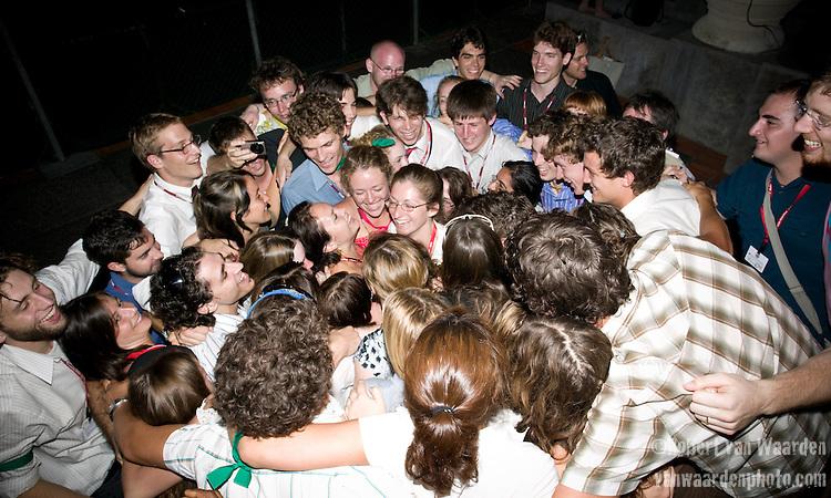 Group Hug! (©Robert vanWaarden Nusa Dua, Indonesia, Dec. 14, 2007)