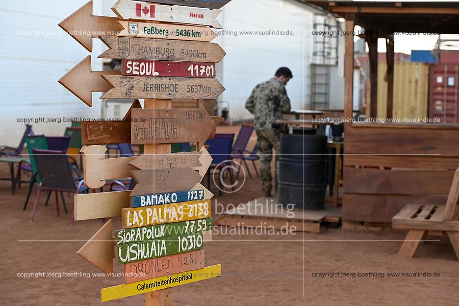 MALI, Gao, Minusma UN peace keeping mission, Camp Castor, german army Bundeswehr , city plates with home distance / Ortsschilder Heimatorte mit Entfernungsabgabe