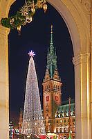 Hamburger Rathaus mit Roncalli Wehnachtsmarkt: EUROPA, DEUTSCHLAND, HAMBURG, (EUROPE, GERMANY), 14.11.2014:  Hamburger Rathaus mit Roncalli Wehnachtsmarkt