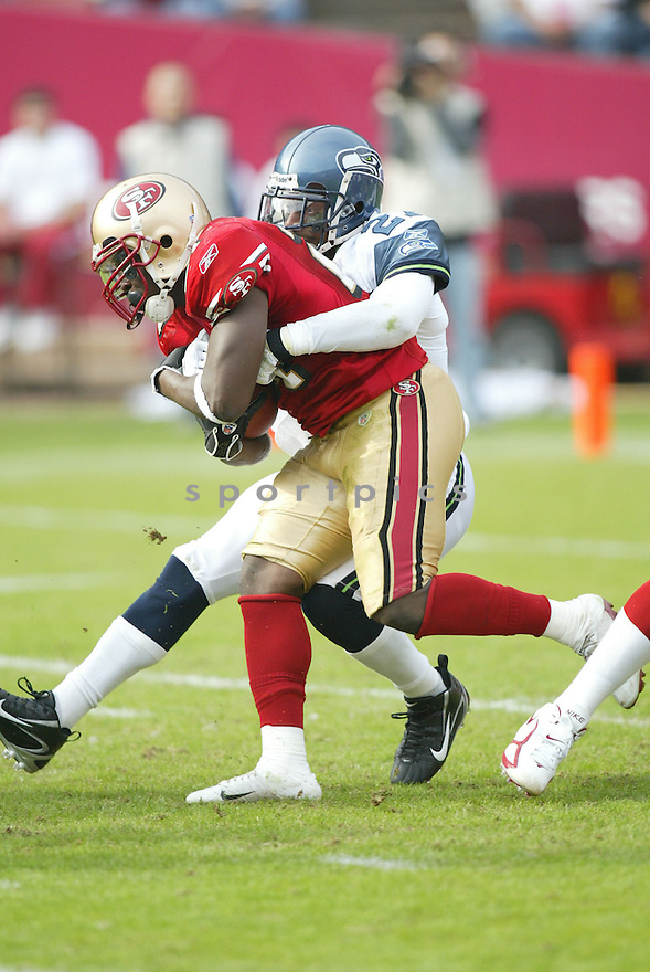 FRANK GORE, of the San Francisco 49ers ,during their game against  the Seattle Seahawks  on Novmeber 19, 2006 in San Francisco, CA...49ers win 20-14..Rob Holt / SportPics