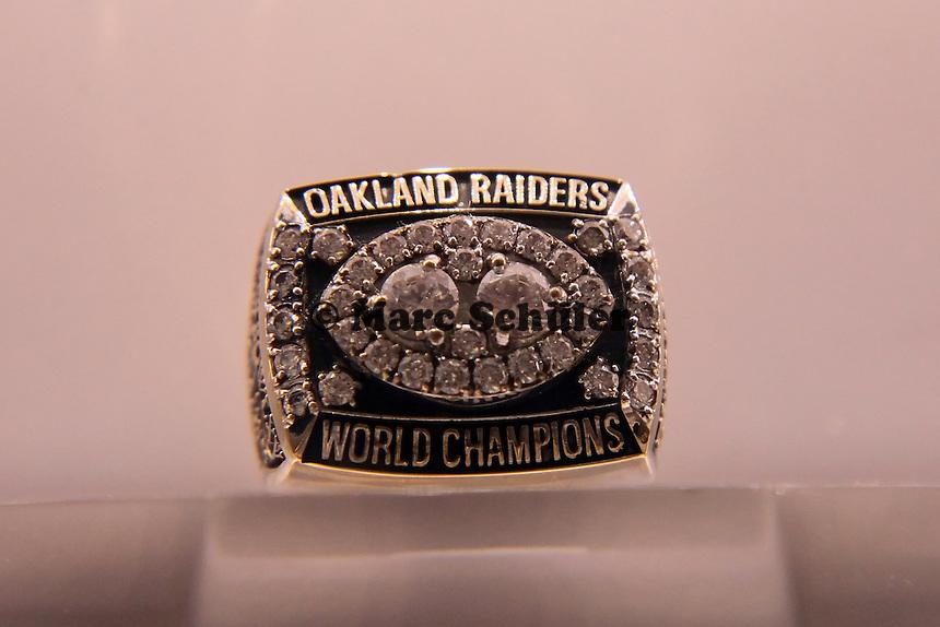 Super Bowl Ringe der einzelnen Siegerteams: XV Oakland Raiders - 1980