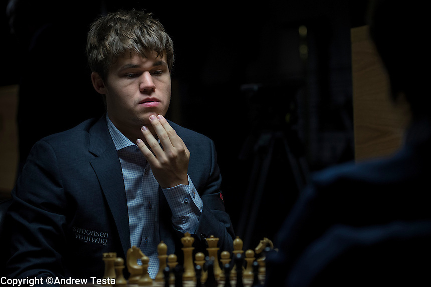 UK. London. 23rd March 2013..Magnus Carlsen vs Radjabov Teimour at the World Chess Championships in London..©Andrew Testa for the New York Times
