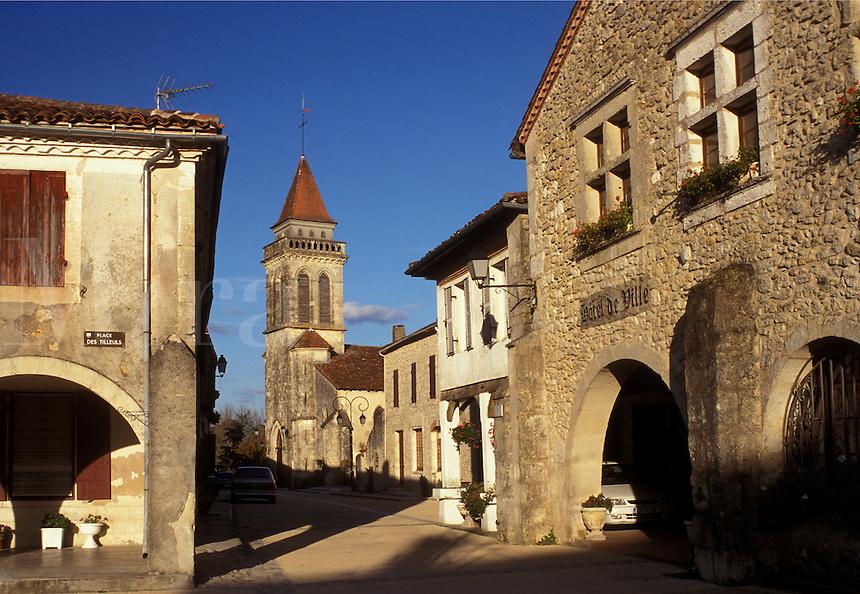France, Landes, Aquitaine, Europe, St. Justin, Place Royale