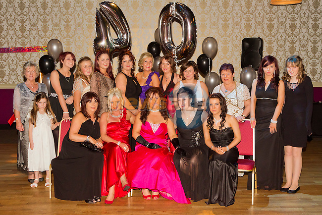Denise Watters celebrates her 40th Birthday in the Star and Crescent with her family and friends..Picture: Shane Maguire / www.newsfile.ie.
