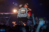 Die Hip-Hop-Gruppe Antilopen Gang aus Duesseldorf, Koeln und Berlin spielte am Samstag den 14. Maerz 2015 im ausverkauften Berliner Club SO36.<br /> Die Band besteht aus den Rappern Koljah Kolerikah (rechts im Bild), Panik Panzer und Danger Dan (links im Bild) und steht beim Toten Hosen-Label JKP unter Vertrag.<br /> 14.3.2015, Berlin<br /> Copyright: Christian-Ditsch.de<br /> [Inhaltsveraendernde Manipulation des Fotos nur nach ausdruecklicher Genehmigung des Fotografen. Vereinbarungen ueber Abtretung von Persoenlichkeitsrechten/Model Release der abgebildeten Person/Personen liegen nicht vor. NO MODEL RELEASE! Nur fuer Redaktionelle Zwecke. Don't publish without copyright Christian-Ditsch.de, Veroeffentlichung nur mit Fotografennennung, sowie gegen Honorar, MwSt. und Beleg. Konto: I N G - D i B a, IBAN DE58500105175400192269, BIC INGDDEFFXXX, Kontakt: post@christian-ditsch.de<br /> Bei der Bearbeitung der Dateiinformationen darf die Urheberkennzeichnung in den EXIF- und  IPTC-Daten nicht entfernt werden, diese sind in digitalen Medien nach &sect;95c UrhG rechtlich geschuetzt. Der Urhebervermerk wird gemaess &sect;13 UrhG verlangt.]