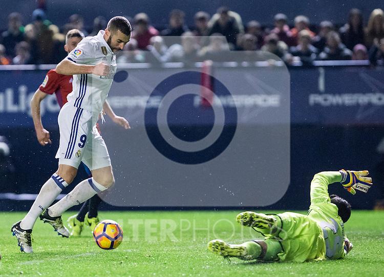 Real Madrid's forward Karim Benzema and Club Atletico Osasuna's goalkeeper Salvatore Sirigu in action during the match of La Liga between Club Atletico Osasuna and Real Madrid  at El Sadar Stadium in Pamplona, Spain. February 11, 2017. (ALTERPHOTOS/Rodrigo Jimenez)