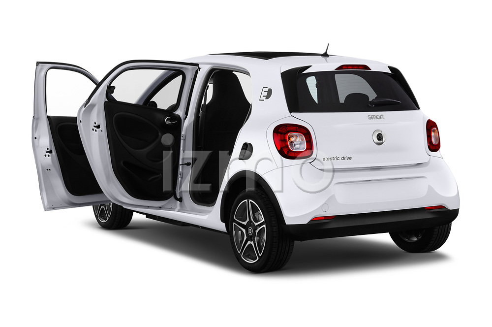 Car images close up view of a 2018 Smart forfour Passion 5 Door Hatchback doors